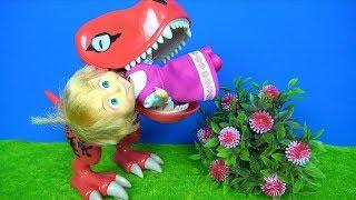 Maşa Dinozorun ağzında. Dinozor Maşa'yı yiyecek mi? Koca ayı ağlayan Maşayı kurtarabilecek mi?