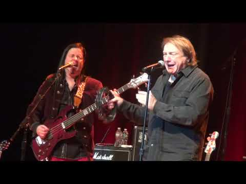 "LOU GRAMM & ASIA ""Feels Like The First Time"" LIVE!!!!"