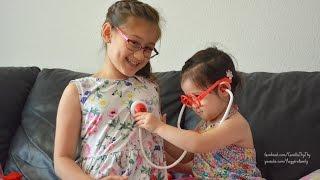 Playing doctor- Trò chơi bác sĩ khám bệnh- Hai chị em tập làm bác sĩ- Medical toys playset