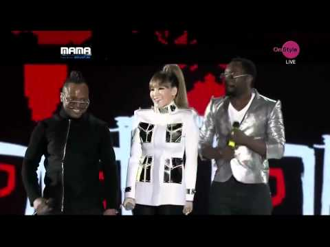Black Eyed Peas And CL 2NE1  WHERE IS THE LOVE トゥエニウォン  MNET Asian Music Awards 2011