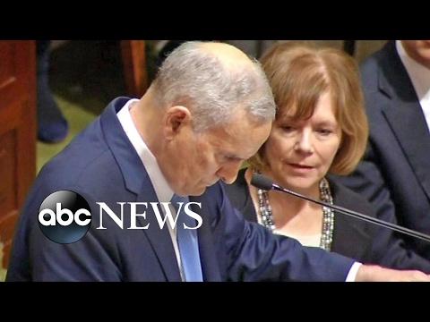 Minnesota Governor Mark Dayton Collapses During Speech