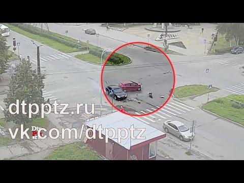 Очередное ДТП на перекрёстке Октябрьский - Московская