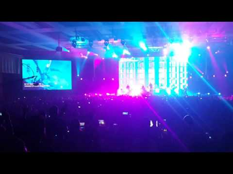 Young and Free - Wake Hillsong Worship Jakarta December 2015