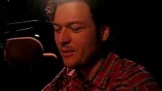 """Blake Shelton's """"Manly"""" Lady Bugs"""