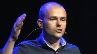 Praktykowanie prawa w relacji z drugim człowiekiem | Tomasz Małanka | TEDxKatowiceSalon