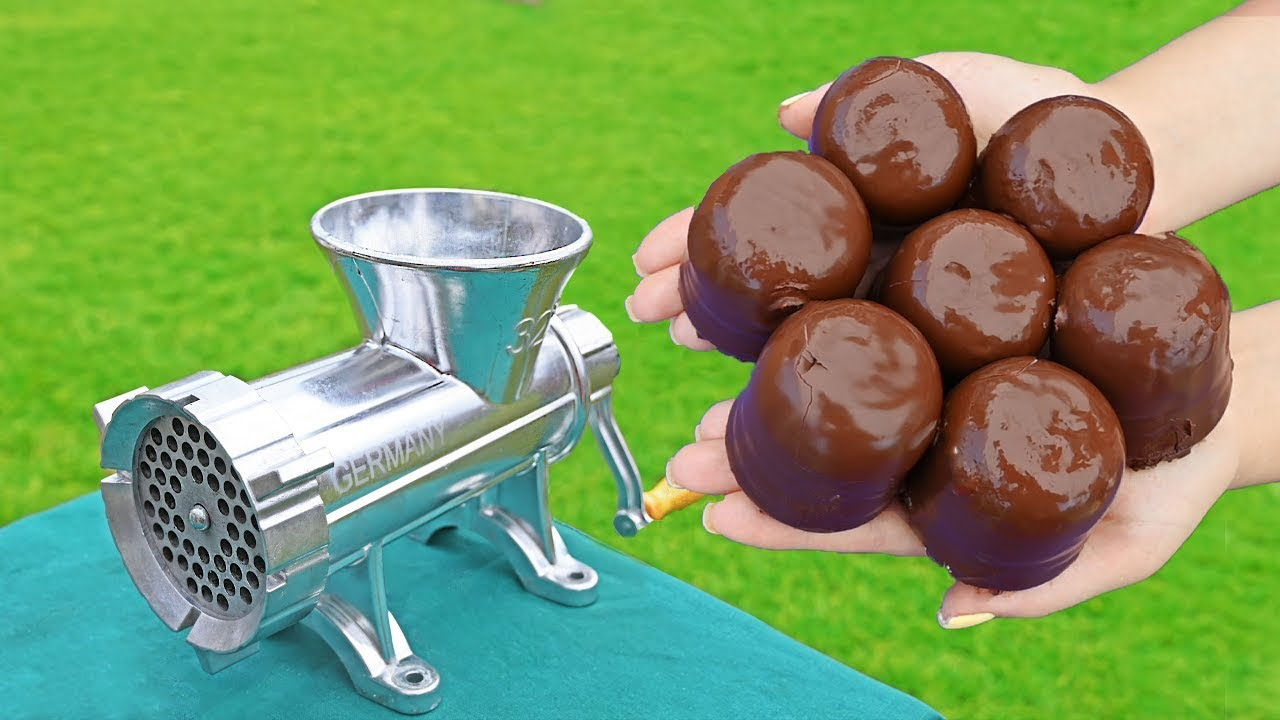 EXPERIMENT MUNCHMALLOW VS MEAT GRINDER