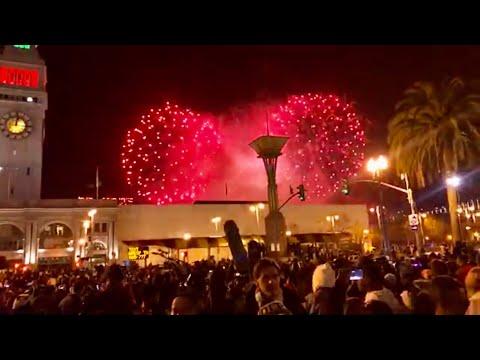 San Francisco Ferry Bldg NEW YEARS Impressive show! Fireworks 💥