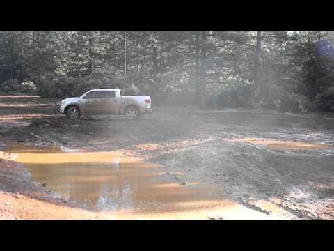 Toyota Tundra Mudding