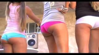fun girls in booty shorts dancing