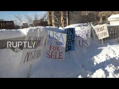 USA: Electoral College protesters fail to dissuade electors from voting Trump