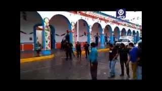 Se enfrentan pobladores y policías en Altepexi