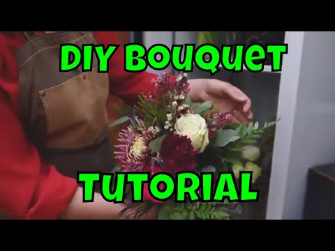 How To DIY Your Own Bouquet, With Flowers & Weeds