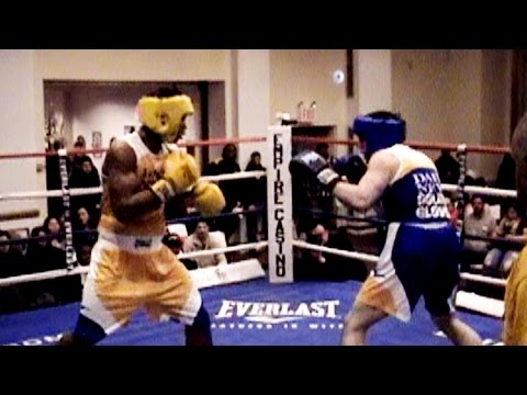 JOSHUA PETERS / PAUL RELLO : 2017 DAILY NEWS GOLDEN GLOVES : 165 lb. novice ..3 rounds