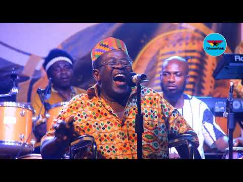Pozo Hayes performs 'Akika Akikayi' at 'Dinner With The Stars'