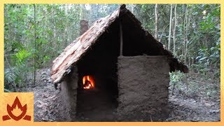 Primitive Technology: Wattle and Daub Hut(I built this hut in the bush using naturally occurring materials and primitive tools. The hut is 2m wide and 2m long, the side walls are 1m high and the ridge line ..., 2015-05-02T14:37:09.000Z)