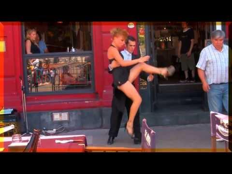 Argentina: Tango in Caminito. Best street dancers