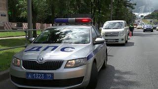 В Москве инспекторы ГИБДД проверили автомашины с иностранными номерами.
