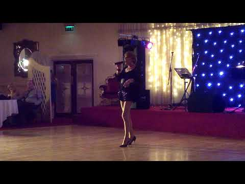 Miss Scarlett Rose sings Cabaret @ Blue Haven