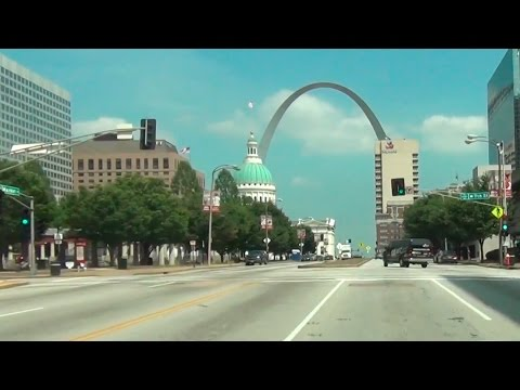 Driving around in St Louis, Missouri - POV