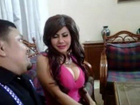 Novita Sari Anggraeni (Mamah Abdel) - Parah Pamer Susu #1