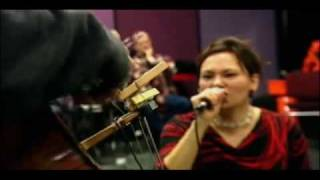Kronos Quartet & Tanya Tagaq - A String Quartet In Her Throat