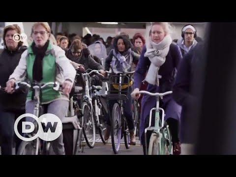 Amsterdam: Bisiklet şehri yaratmada mükemmele doğru - DW Türkçe
