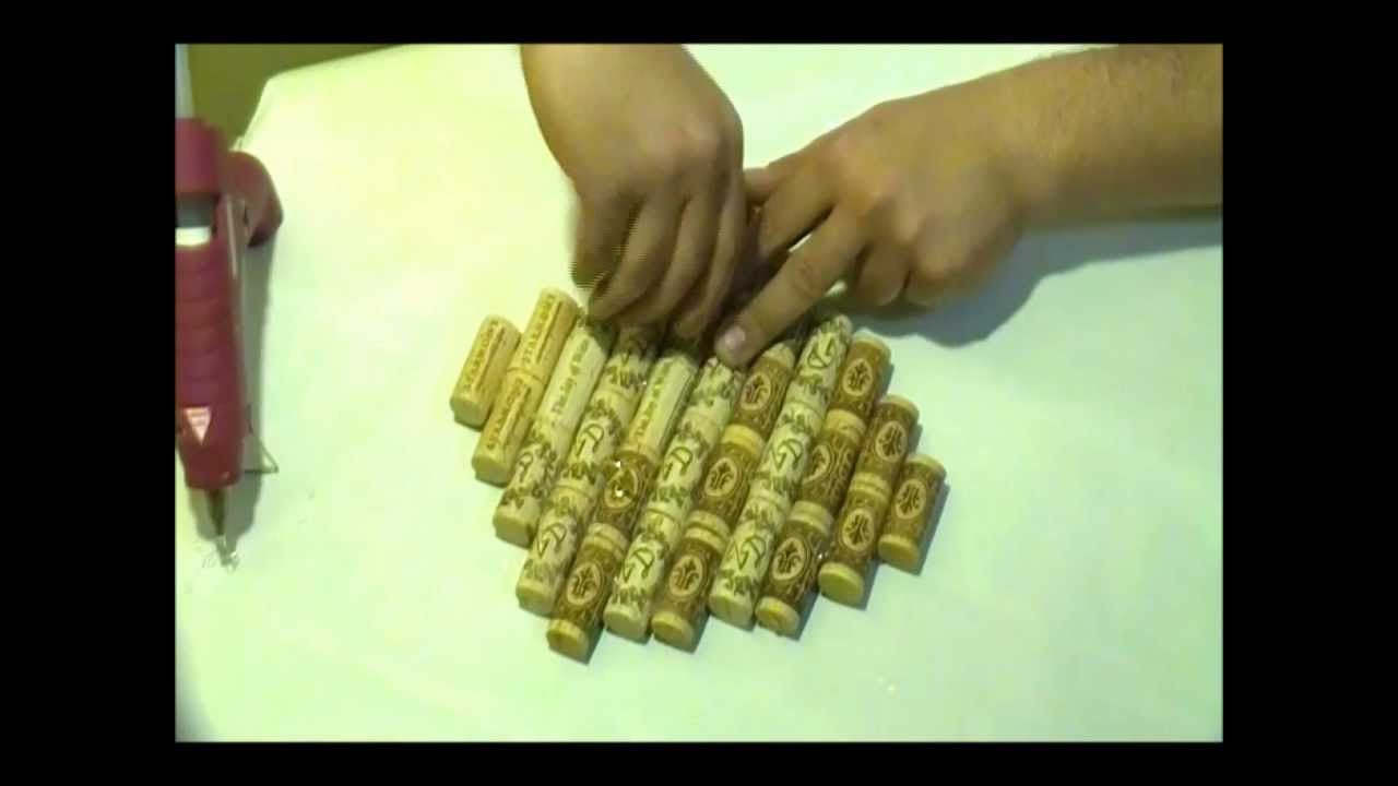 How to make a wall key holder with used wine corks - YouTube