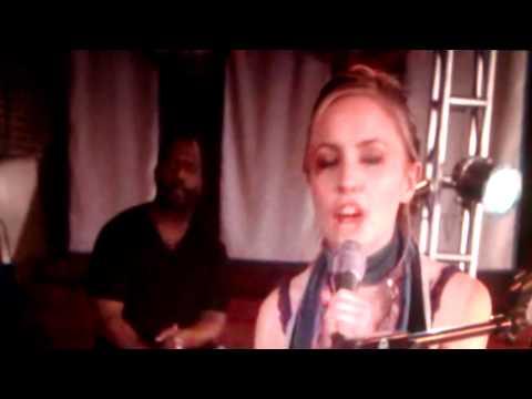 Broken Bridges - Lyndsay Haun - Broken