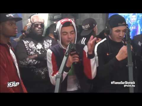 RK - 1ère Mi-Temps gros freestyle ft. Hornet La Frappe dans Planète Rap !