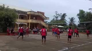 Giao lưu bóng chuyền lớp 11A2