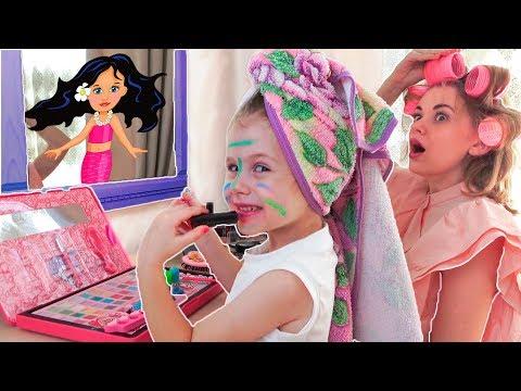 Ева как мама учится пользоваться детской косметикой Baby makeup