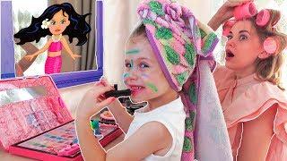 Ева как мама учится пользоваться детской косметикой. Baby makeup
