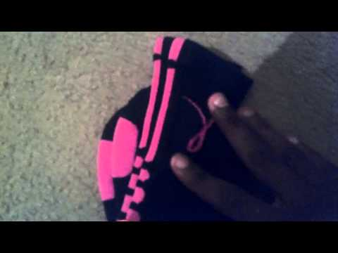 nike-breast-cancer-elite-socks-black-&-pink-review