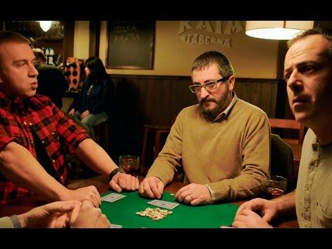 Koldo, Peio y Antxon se desesperan jugando al mus con uno de Logroño