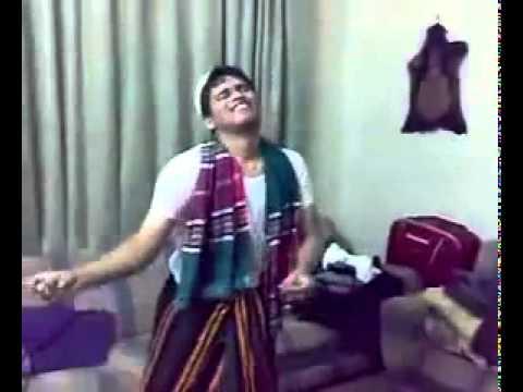 umar akmal and kamran akmal dancing in home thumbnail