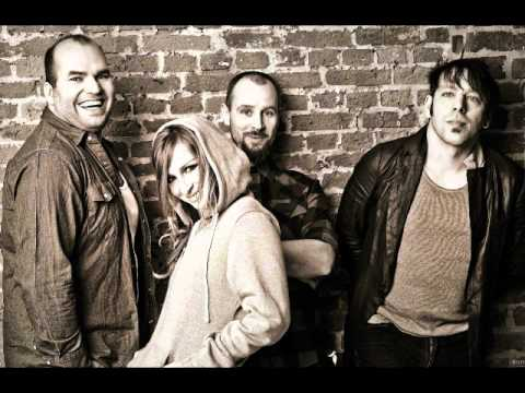Клип Guano Apes - Don't You Turn Your Back On Me (Frozen Mix)