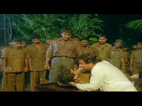 Karz Chukana Hai - Part 9 Of 16 - Govinda...