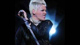 P!nk - It´s all your fault