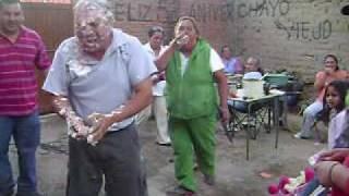 Por Todas Las Que Nos Debias // Mordida Tradicional Al Pastel VS Mordida Pasada de Lanza