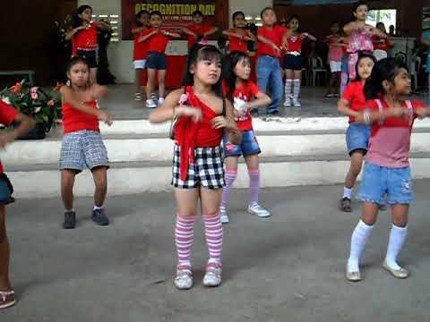 Waka Waka Dance  Selected Grade 2 Pupils of Bongbongon