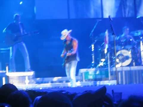 Kenny Chesney - Anything But Mine Charlotte, NC 6-24-12