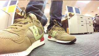 Simon öffnet Verpackungen The Good Will Out x Saucony Shadow 5000 VHS