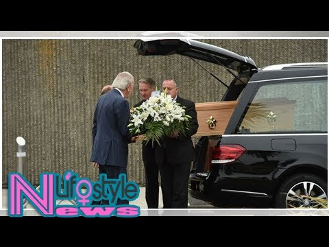 Mourners gather to pay final respects to RTE presenter Bunny Carr at funeral