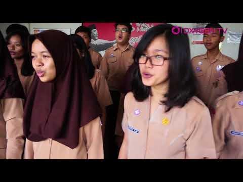 Paduan Suara SMA 1 Magelang | Negeri Di Awan - Katon Bagaskara (Cover)
