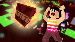 TRY TO STAY AWAY DE TNT'S!!! -ROBLOX (TNT RUSH)