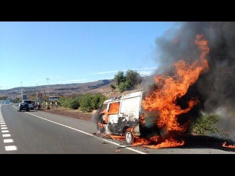 Incendio de una furgoneta en la autopista gc 1 youtube - Gran canaria tv com ...