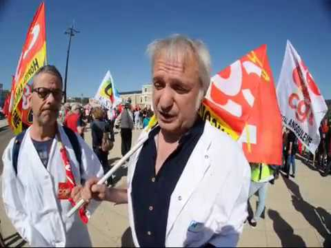 Le personnel de l'hôpital d'Angoulême participe à la grève du 19 avril