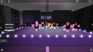 "Roblox Group Dance ""Sissy That Walk"" by RuPaul (VDC)"