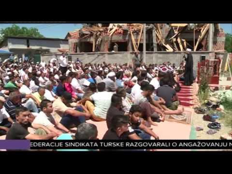 Džuma u Zemun polju kraj porušene džamije