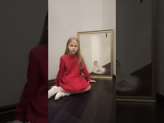 Изображение предпросмотра прочтения – ЕкатеринаКулешова читает произведение «Шел Господь пытать людей в любови» С.А.Есенина